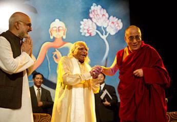 Guruji in discussion with H.H. The Dalai Lama