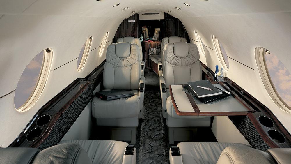 Beechcraft 400 int.jpg