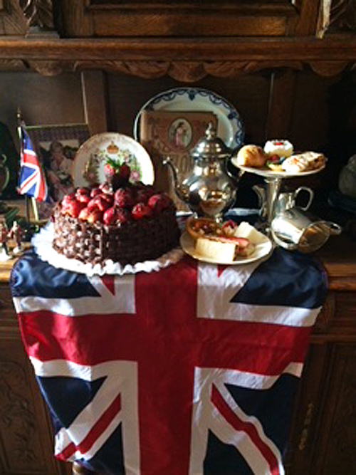 Enjoy Tea Time at Vivilore! We Celebrated Queen Elizabeths' 92nd Birthday this Year! - Long Live The Queen!