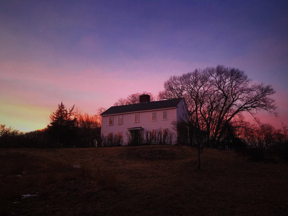 This is the Farmhouse built in the 1740s where I stayed in Concord ^ My friends Tracie, Nick & Solon live here