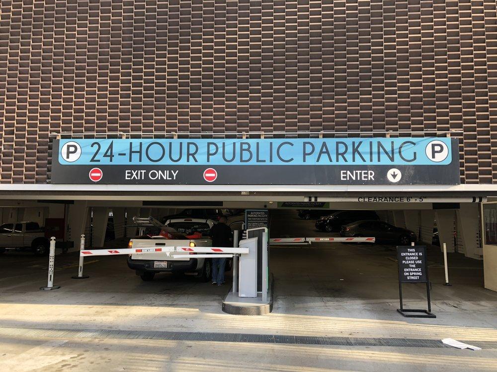 24 Hour Public Parking Graphics