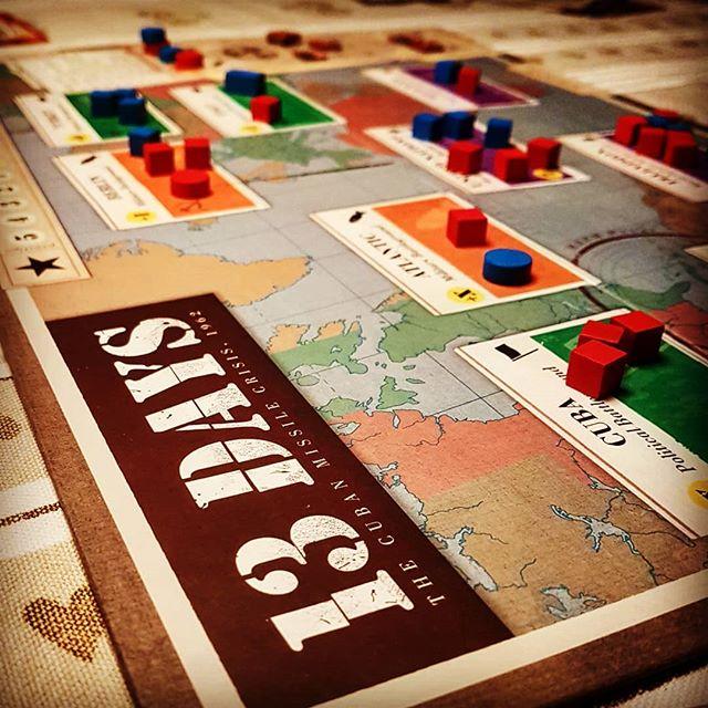 Så er der julestemning i Harboøre. Vi startede ikke en atomkrig. Glædelig jul :) #brætspil #13days