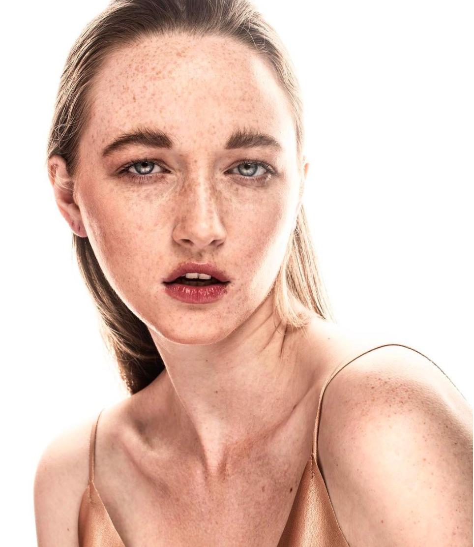 ZARA CAMPAIGN  Model: Lauren Hudson  Photographer: Javier Asturias  Styling: Mariana Alvarez