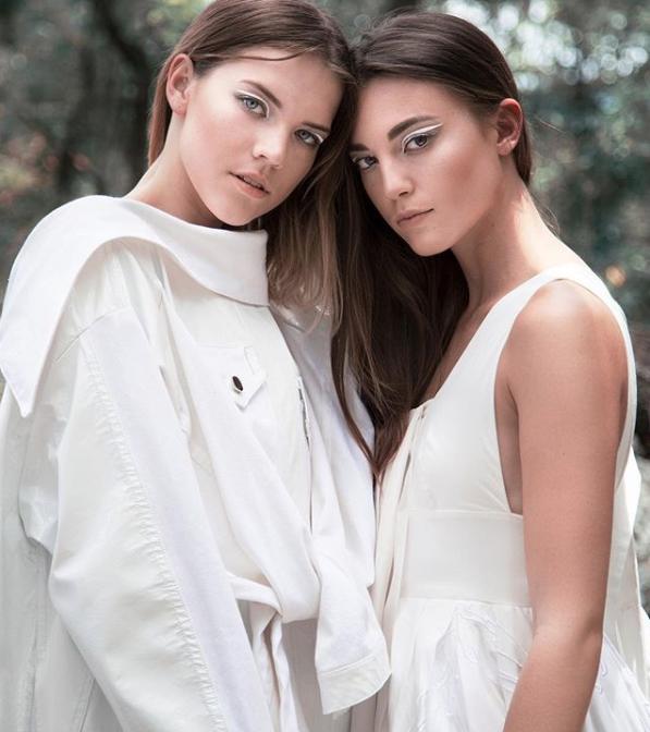 SOBRE HIELO  Models: Olivia Ruffin & Michela Magnani   Photographer: Francisco Betancourt  Collection: Lottie Bertello