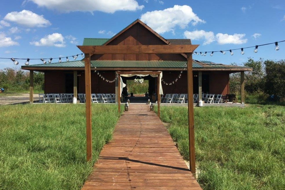 ceremony-walkway-aisle-obloy-ranch-wedding-barn.jpg