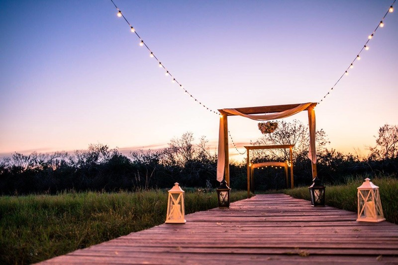 obloy-family-ranch-weddings-florida-sunset-barn-farm-wedding-venue.jpg