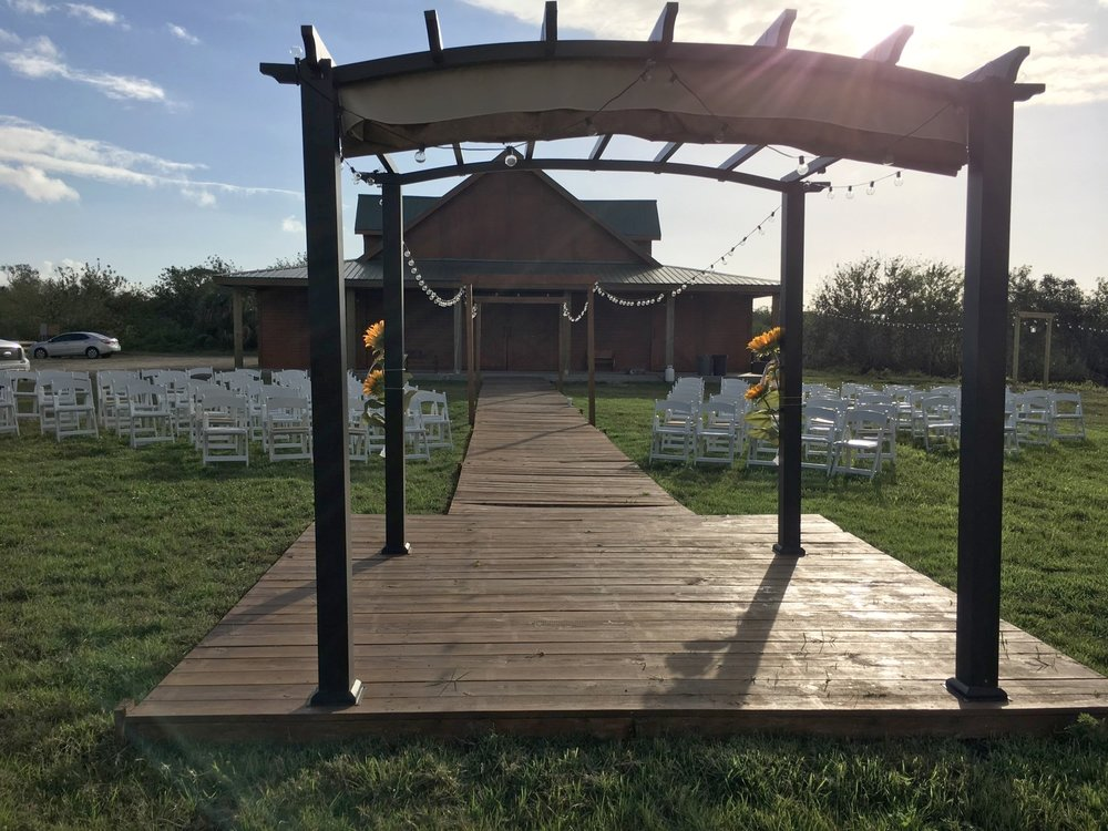 wedding-ceremony-pergola.JPG