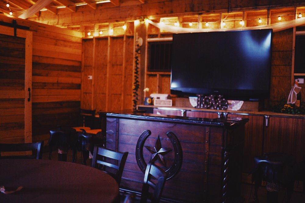 inside-wedding-barn-country-barn.jpg