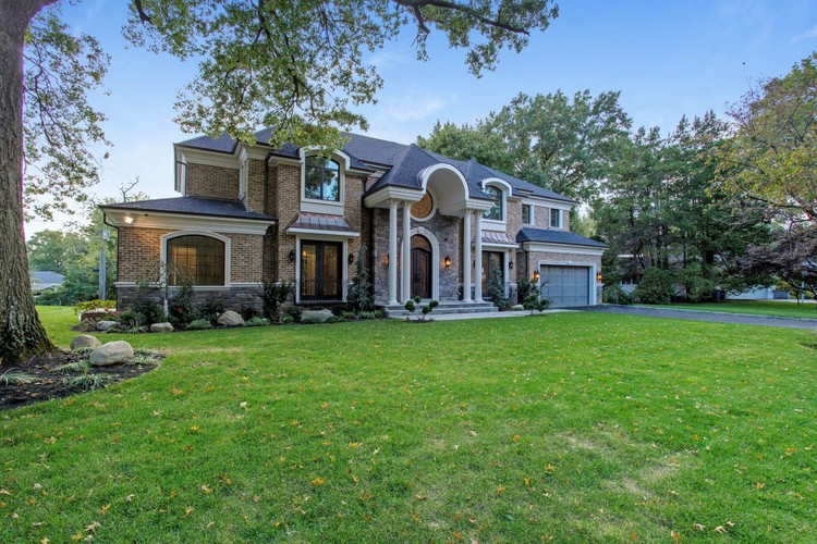 $3.68M | 30 W. WOODS RD, GREAT NECK