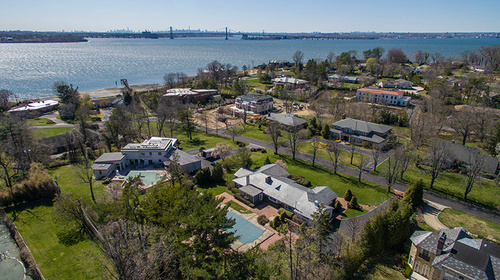 $3.488M | 21 MARTIN COURT, KINGS POINT