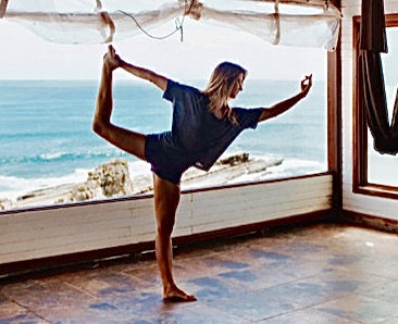 Carly Dancer Pose