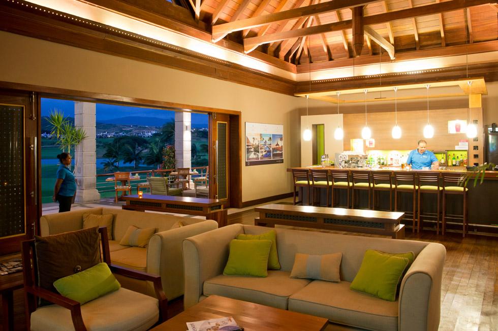 HGC_Club-House-bar.jpg
