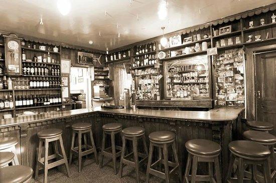 langs-bar-restaurant.jpg