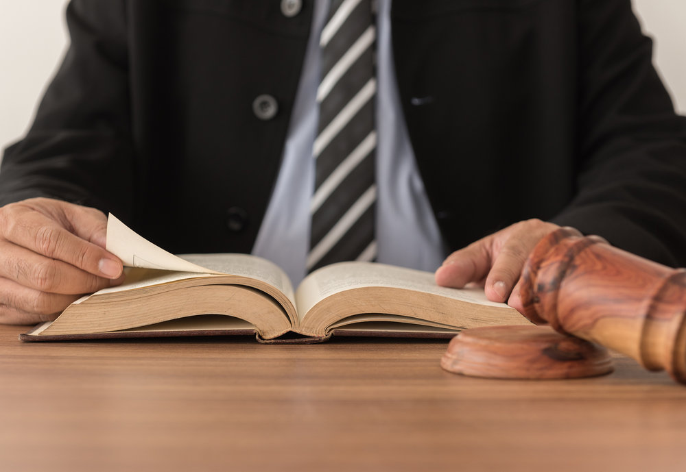 The experienced lawyer knows that taking the extra time to answer client questions is what builds trust.© BigStockPhoto