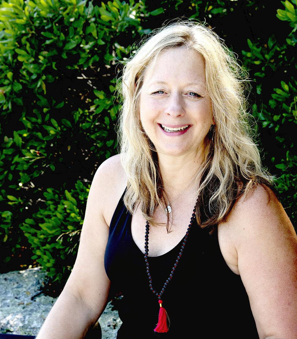 Sandra Levin headshot.jpg