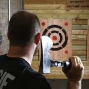 axe throwing.jpeg
