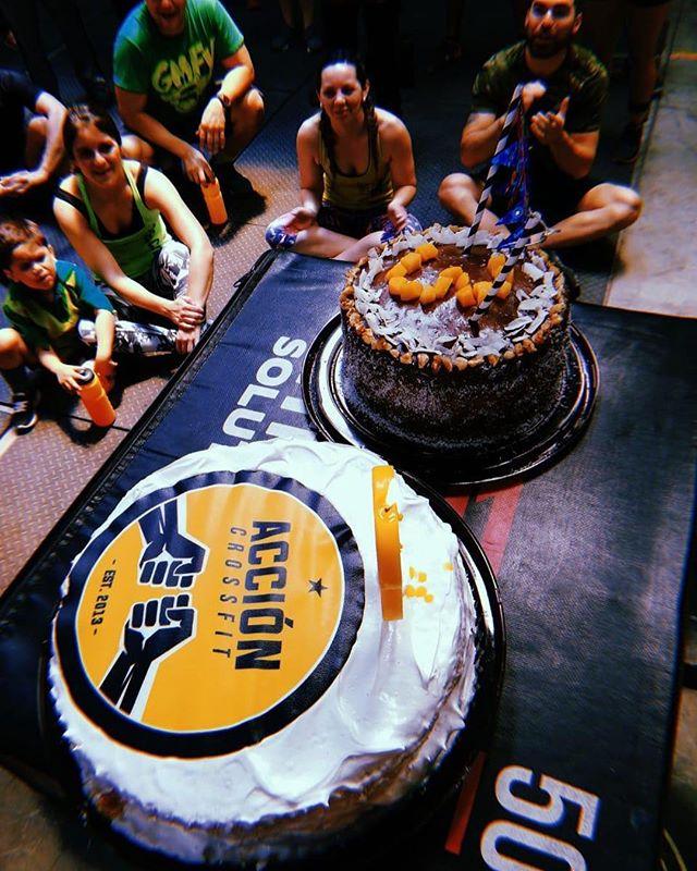 ¡FELIZ 3º ANIVERSARIO #AccionLaFlorida! 🎉 🎊  Este Sábado nuestros alumnos y staff celebraron en grande su aniversario ✨  Gracias por ser parte de esto, gracias por creer en nosotros y sobretodo por creer en ustedes 💪 ¡Felicidades y que sean muchísimos años más!  #AccionCrossFit #CrossFit