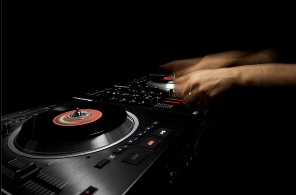 ns7 - ||| BRAND: NUMARK||| ROLE: Industrial Designer and UX Designer||| TYPE: Pro Audio Device