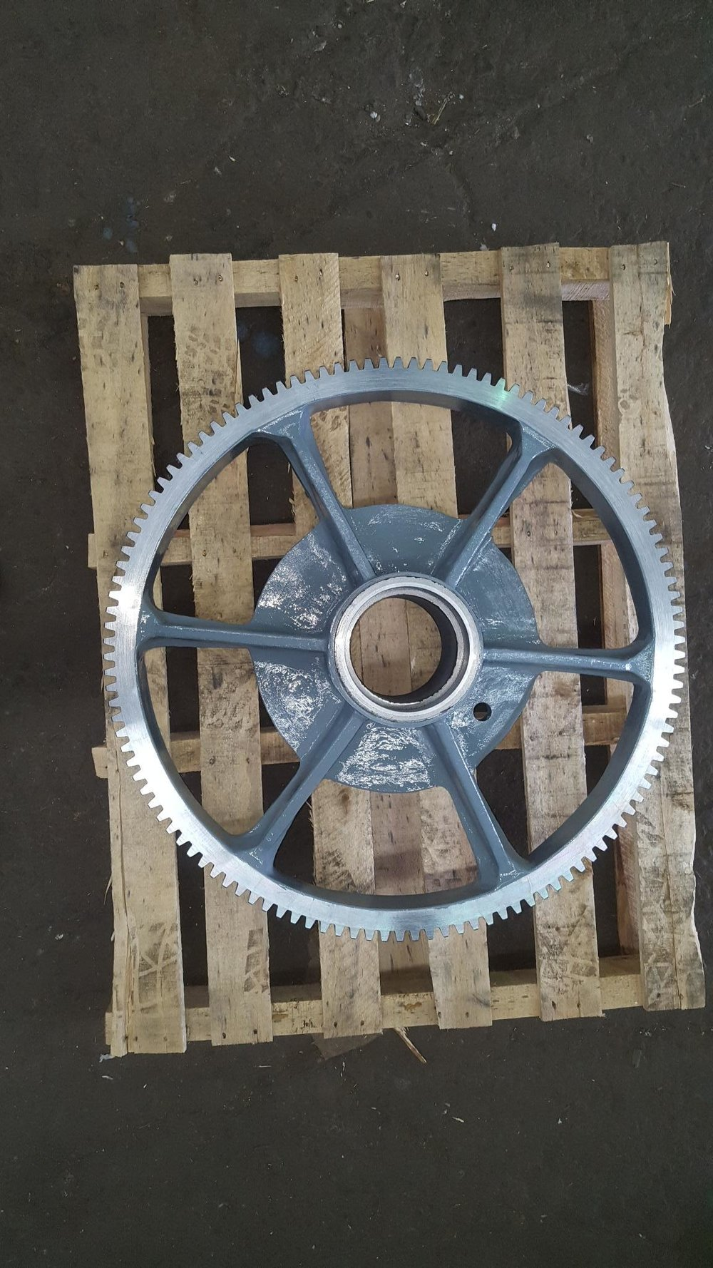 CAST IRON GEAR