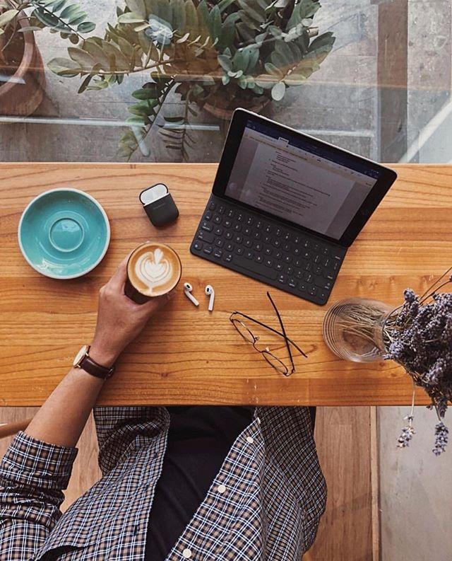 Monday morning essentials // ☕via @dhiptadi⠀⠀⠀⠀⠀⠀⠀⠀⠀ .⠀⠀⠀⠀⠀⠀⠀⠀⠀ .⠀⠀⠀⠀⠀⠀⠀⠀⠀ .⠀⠀⠀⠀⠀⠀⠀⠀⠀ .⠀⠀⠀⠀⠀⠀⠀⠀⠀ .⠀⠀⠀⠀⠀⠀⠀⠀⠀ #coffeeshop #coffeelovers #lattelife #coffeeporn #specialtycoffee #coffeetime #coffeeaddict #coffeelover #coffeegram  #sundaymood #coffeebreak #instacoffee #coffeeoftheday #coffeelove #coffeelife #latteart #caffeine #coffeecup #coffeeart #baristadaily #ilovecoffee #coffeesesh #coffeeshots #coffeeplease#butfirstcoffee #mondaygoals #mondaessentials #mondayvibes #mondaymotivation