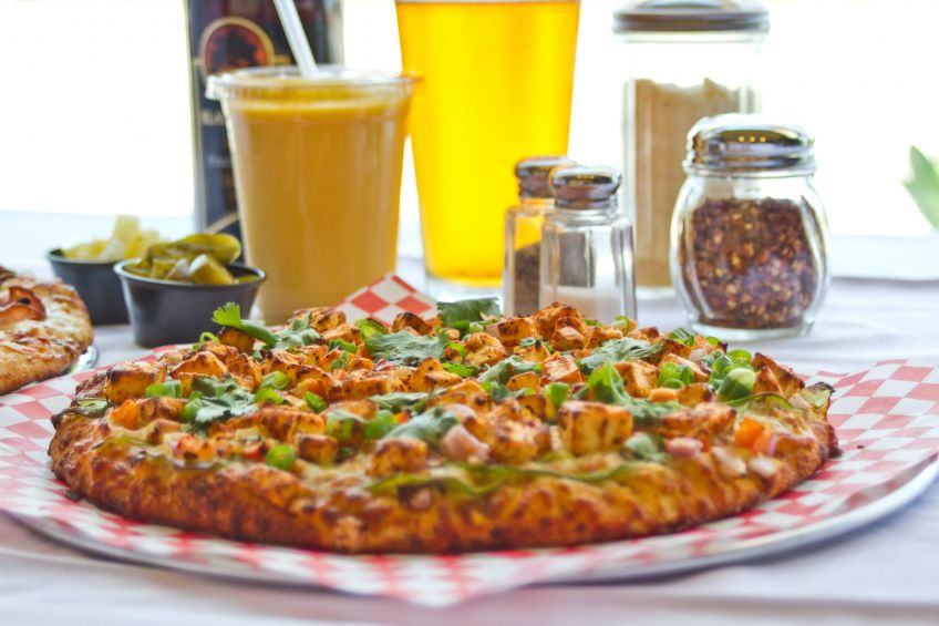 Bombay Pizza House-Chilli Paneer Pizza_0.jpg
