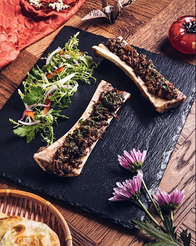 Oxtail Bone Marrow Extravaganza ✨✨✨ ————————————— #HanShiFuDXB #HanShiFu #food #AsianFood #AsianFusion #Dubai #DubaiLife #DubaiStyle #MyDubai #DubaiRestaurant #DubaiFood #DubaiFoodie