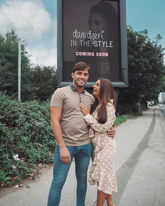 📸 Couple goals! Check out MAG's recent campaign with #LoveIsland 2018 winner Dani Dyer ahead of her launch with In the Style UK 🙌
