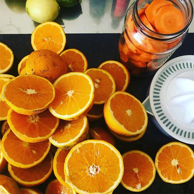 We had a pretty low-key weekend and yesterday was spent making soda syrup (recipe on the blog), marmalade and pickling things #homemade #weekend #myyearofselfdiscovery #rurallife #rural