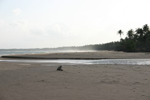 Beach at Kahandamodera where the catamarans are used