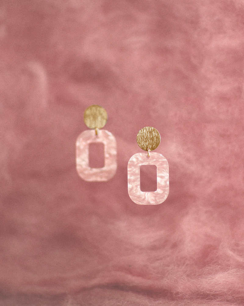 lyserød-baby-rosa-med-farvet-baggrund-fg.jpg