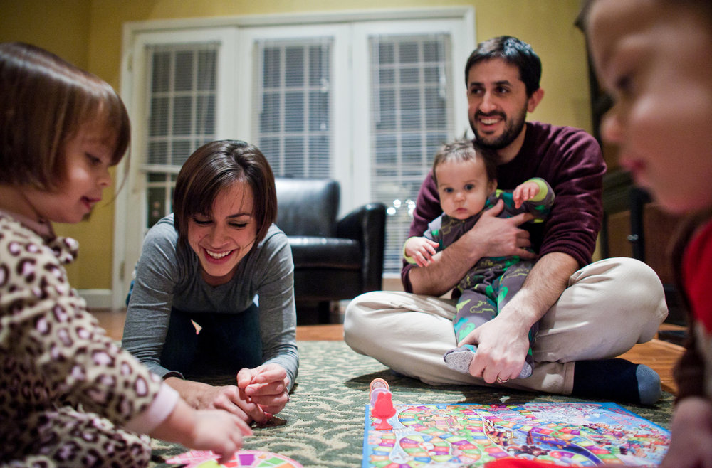 Amanda and Bradley Kalinsky with their children, who were born after embryos for in vitro fertilization were found to be free of the gene for the deadly disease that Ms. Kalinsky carries.  Photo Credit: Nathan Morgan for The New York Times