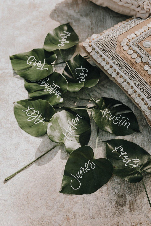 Light of Leni | Hand lettering | Leaf Placecards