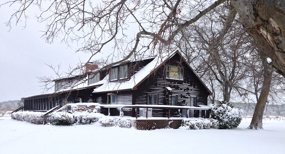 lodge+in+snow.png