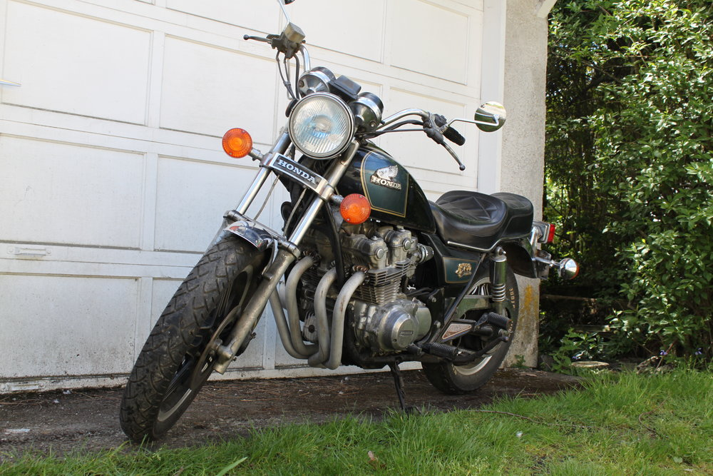 img-garage-older-bike.JPG