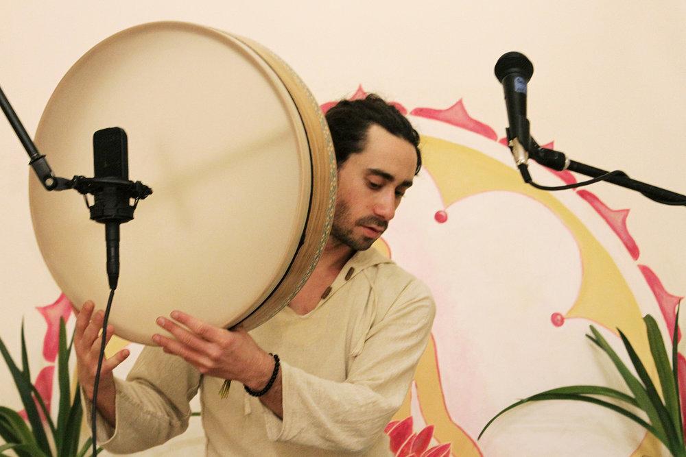 seth-lieberman-yoga-live-music-harmonium-nyc-hudson-valley