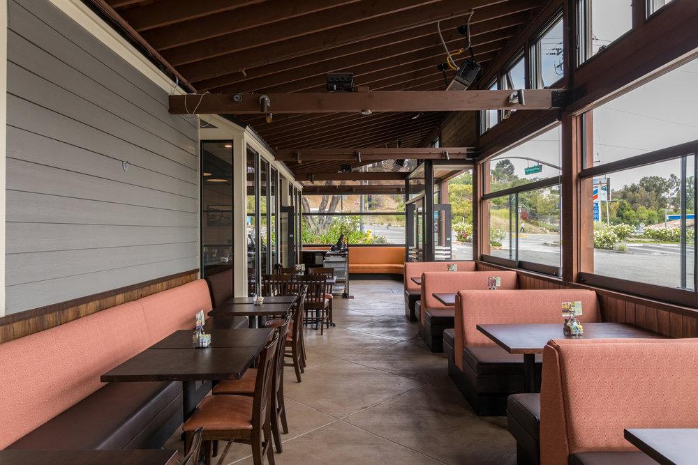 patio-truxtons-torrance.jpg