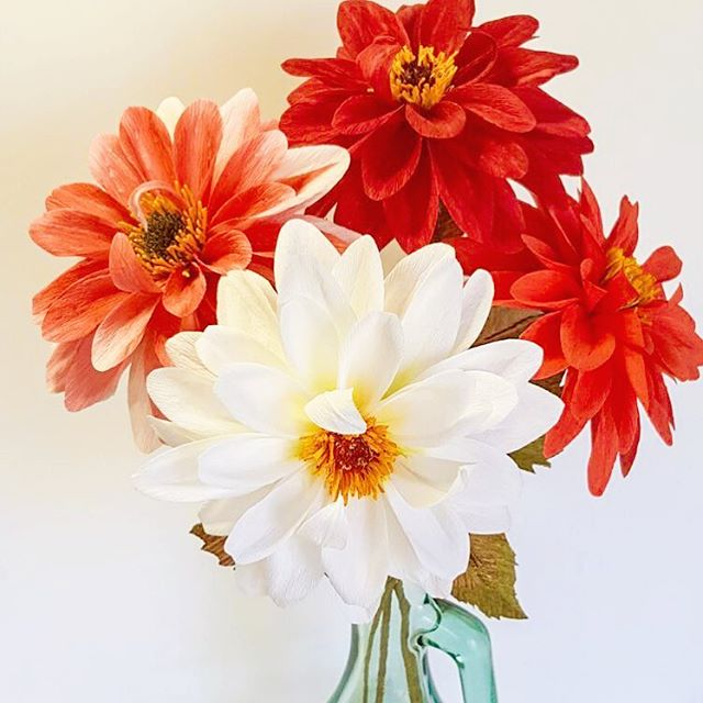 Pretty dahlias. Heads up - new year, new IG @fool.the.bees. Follow me there! I thank you in advance. ❤️ ...... #paperflowers #crepepaperflowers #foolthebees #creativedharma #paperdahlia #dahlias