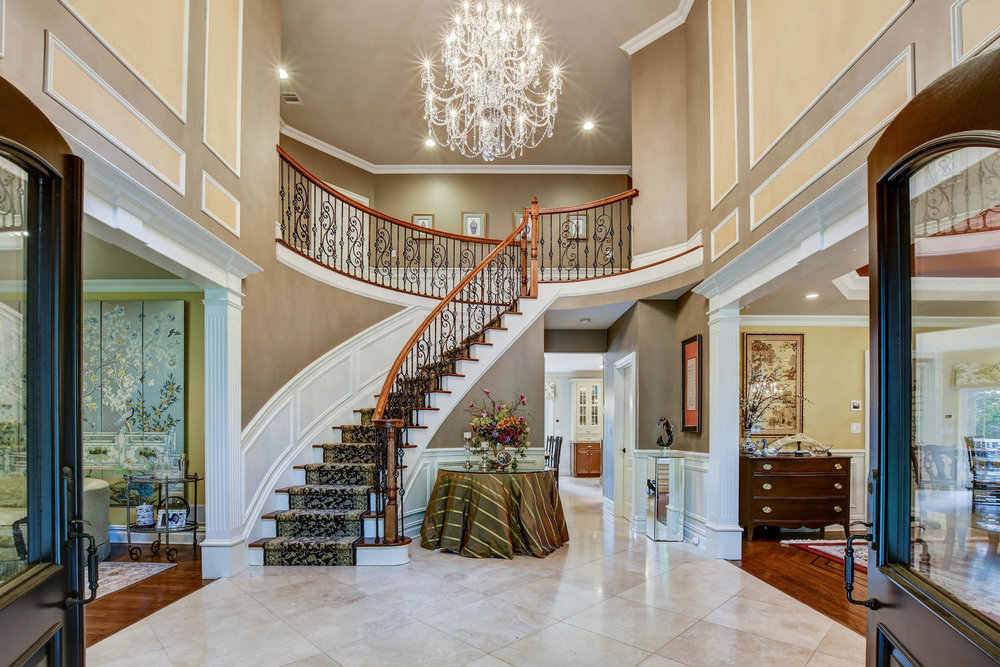 54 Old Somerset Rd Watchung NJ-large-007-1-Front Hall-1500x1000-72dpi.jpg