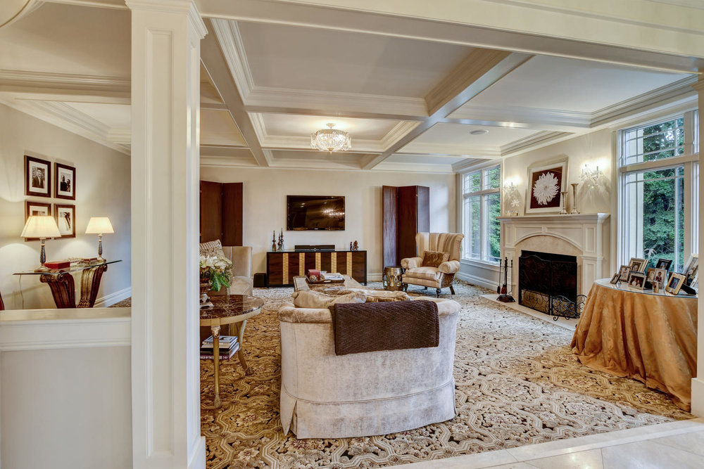 54 Old Somerset Rd Watchung NJ-large-019-6-Great Room-1500x1000-72dpi.jpg