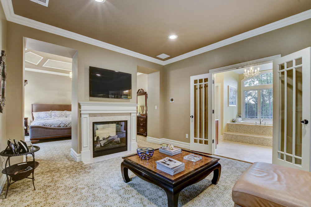 54 Old Somerset Rd Watchung NJ-large-031-5-Master Suite Sitting Area-1500x1000-72dpi.jpg