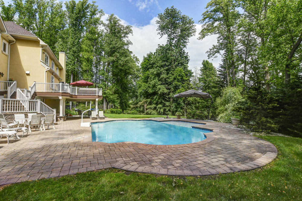 54 Old Somerset Rd Watchung NJ-large-042-29-Pool and Patio-1500x1000-72dpi.jpg