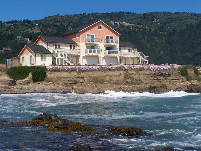 Tides Inn - The Tides Inn of Shelter Cove is Northern California's own little piece of paradise. We are on the ocean; every room with an unbelievably beautiful ocean view.  You can sit outside and watch the whales go by, sometimes even catch a glimpse of the moms and their babies! Find out more about Tides Inn here.
