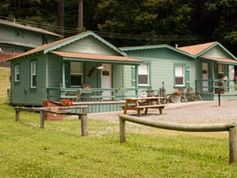 redcrest resort - One and two bedroom cabins feature fully equipped kitchens, BBQ and picnic table for outdoor use. All cabins have a private front porch and are surrounded by the majestic redwoods. Find out more here.