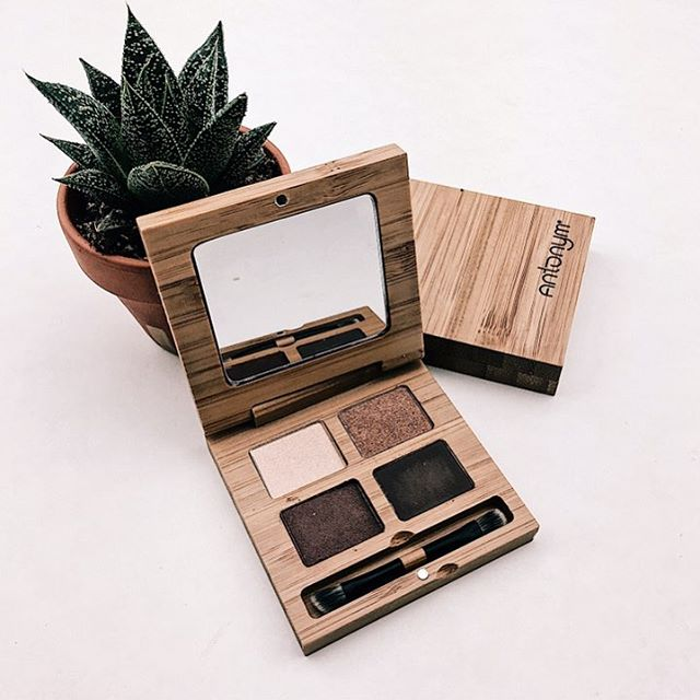 I love these Antonym Eyeshadow Quattro! First off the packaging is amazing it's sustainable and eco friendly. The eyeshadow blends out beautifully and is super pigmented which is a bonus when it comes to clean beauty. I also really like the powder  foundation you can use it as foundation or a setting powder for a longer review check out the site link in bio! . . #cleanmakeup #cleanbeauty #greenbeauty #greenbeautyblogger #eyeshadowpalette #eyeshadow #foundation #sustainability #ecofriendly #makeup