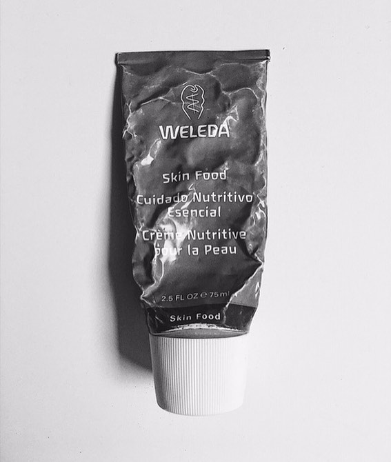 @weleda_usa - Weleda Skin Food, is one of my favorite go-to products in my makeup kit. Its defiantly not new on the scene by any means it has been around actually since 1926. This ultra-rich moisturizer can be used as a regular moisturizer, on dry elbows, hands, feet, face, even to get flyaway or as a hydrating mask. I like that the scent is calm and refreshing; it goes on smoothly moisturizing without feeling oily. It also contains healing elements such as chamomile, rosemary, and calendula. There is a fragrance in it, the good news is Weleda doesn't use any synthetic fragrance in their products, so it's safe to use. 10$ for 2.5oz, you can find it at Amazon, Target, Whole Foods, or Thrive Market. . .. #cleanbeautyblogger #cleanbeauty #saferbeauty #cleanbeautyrevolution #weleda #moisturizer #hydration #nontoxicskincare
