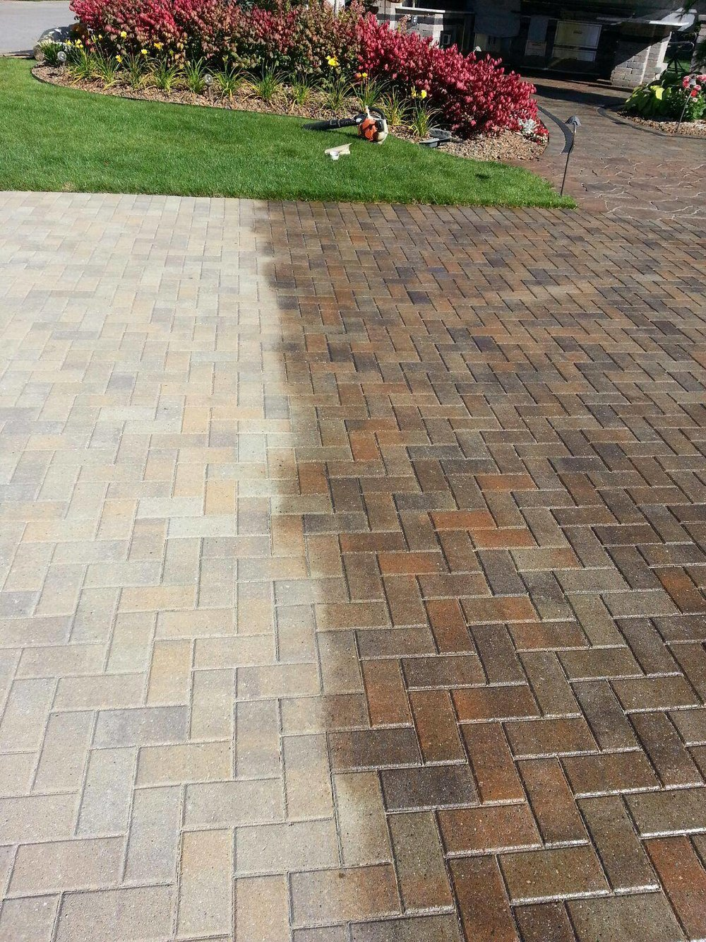 Maintenance for patio pavers and paving stones in Troy MI