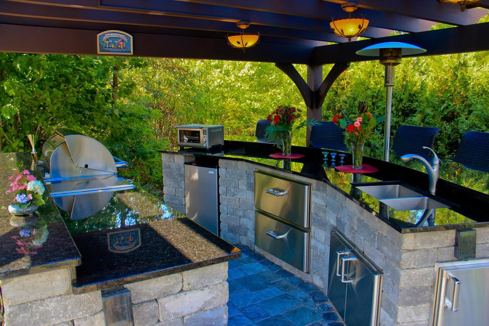 Outdoor kitchen landscape design in Canton MI