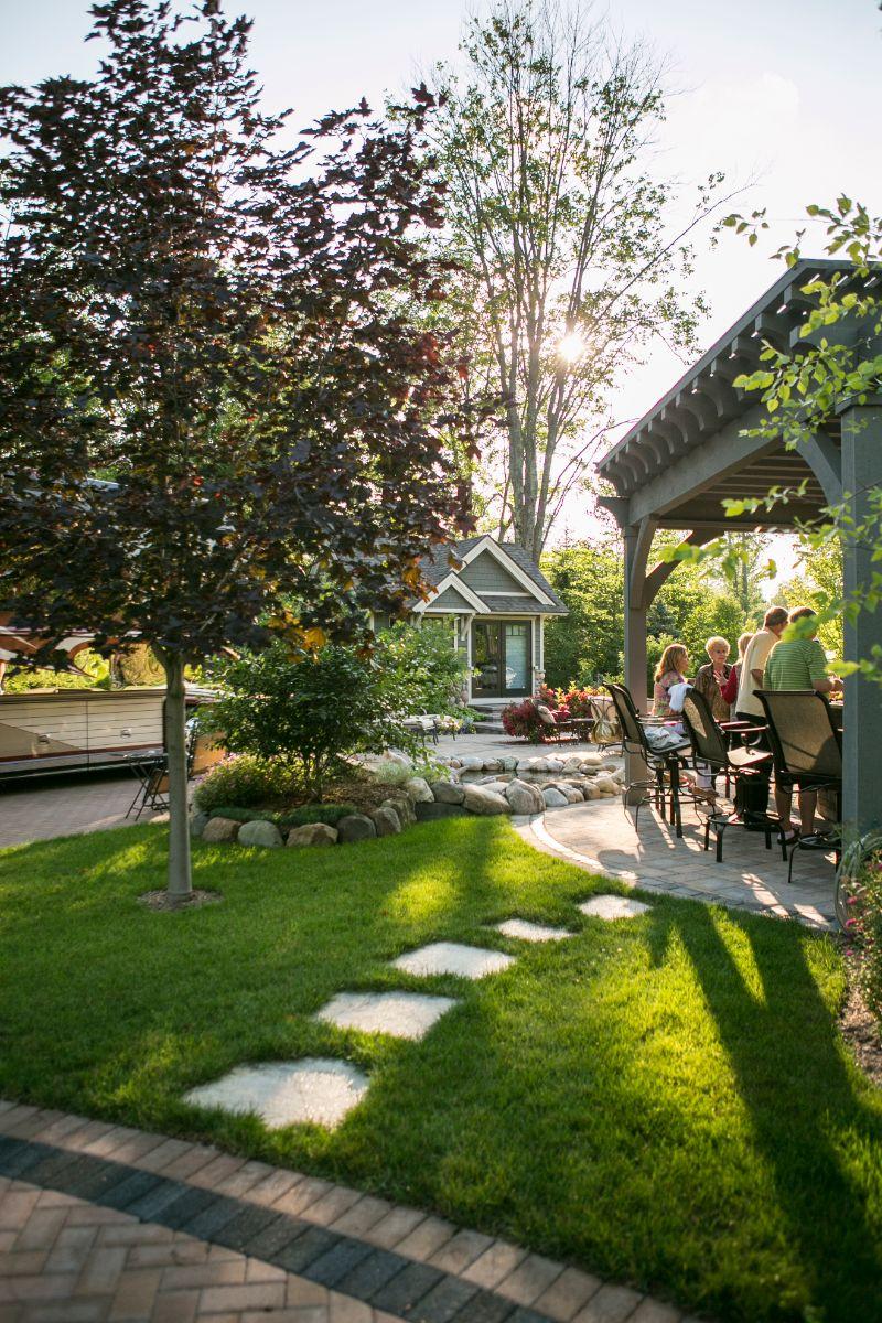 Hearthside-Grove-Luxury-RV-Resort_Patio-3-min.jpg