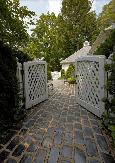 Achieve a Cobblestone Look in Troy, MI, with These Unilock Paving Stones