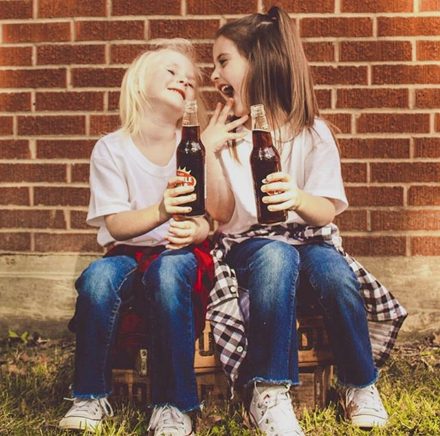 Friendship means sharing a Double Cola together! Thanks so much for this sweet shot @chelseacasanova @alaina_hollywood